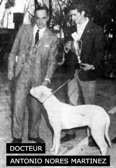 Docteur Antonio Nores Martinez, cynologue créateur du Dogue Argentin