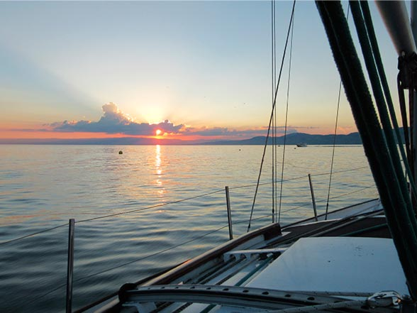 Voilier en Boat Sharing, Lac Léman